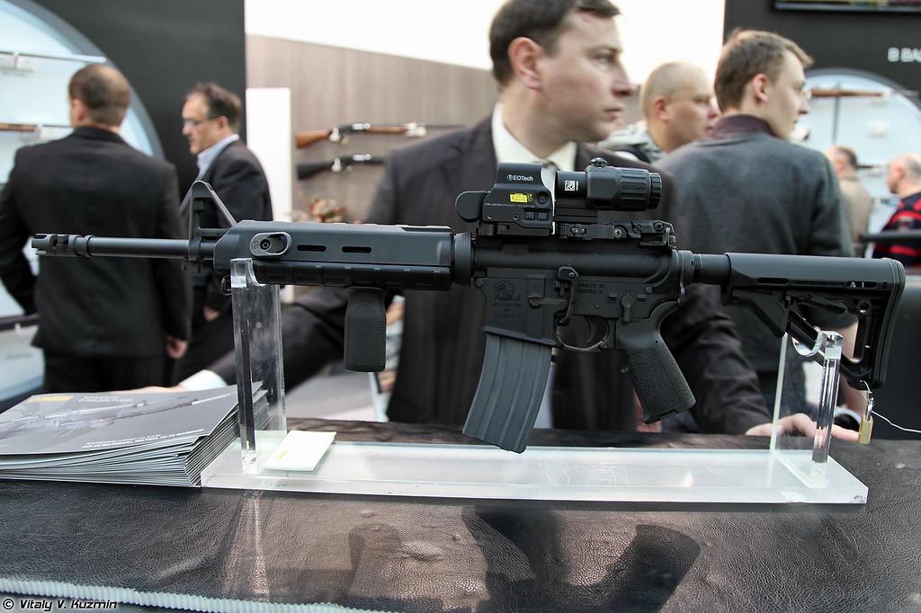 .223 Rem винтовка M-15 также собирается по лицензии на заводе ORSIS (Licensed .223 Rem M-15 from ORSIS)