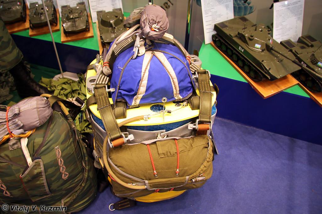 Управляемая планирующая парашютная грузовая система УППГС-100-08 (Guided parachute cargo system UPPGS-100-08)