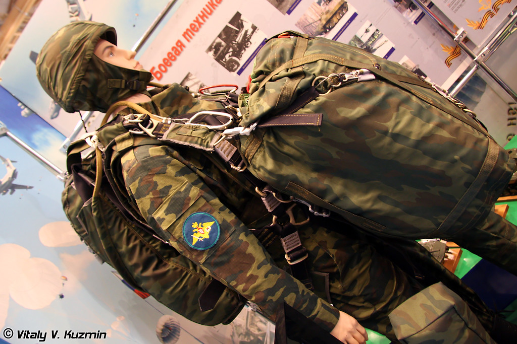Десантная парашютная система Д-12 (Airborne system D-12)