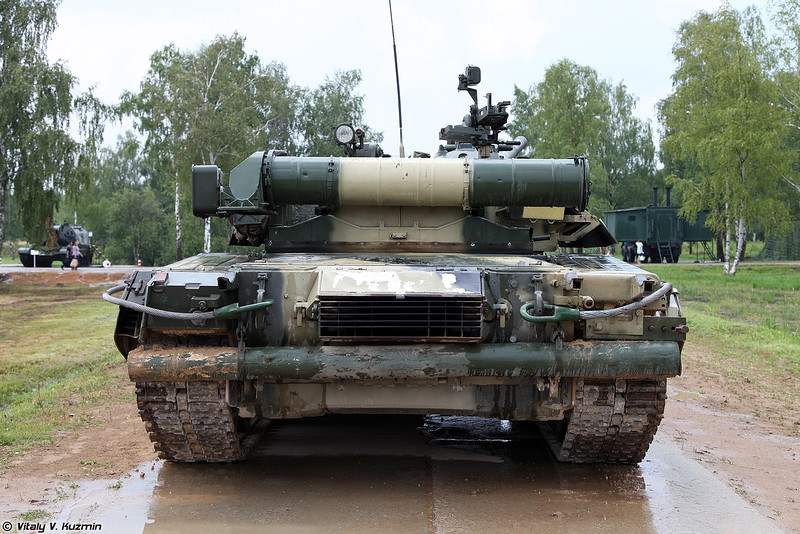 Т-80У (T-80U main battle tank)