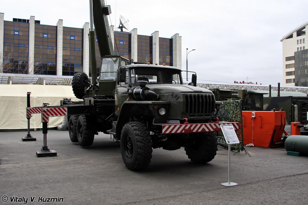 Автомобильный кран КС-45731М1 на шасси Урал-4320 грузоподъемностью 16т. (16t. crane KS-45731M1 on Ural-4320 chassis)