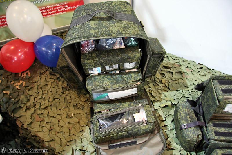 Сумка врача войсковая СВВ. Предназначена для оснащения врача при выполнении боевой задачи в составе подразделения. Рассчитана на проведение неотложных мероприятий первой врачебной помощи по расходному имуществу на 50 раненых. (Field medic bag SVV)