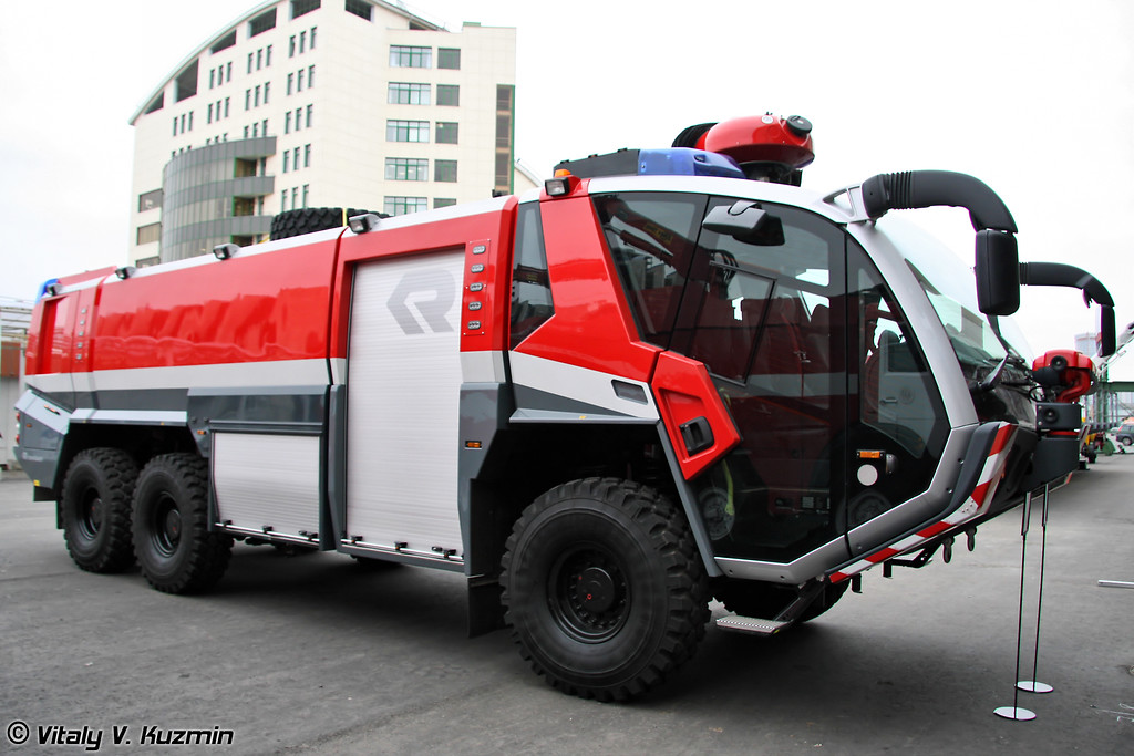Аэродромный пожарный автомобиль Panther 6x6 CA5 (Airfield firefighting vehicle Panther 6x6 CA5)