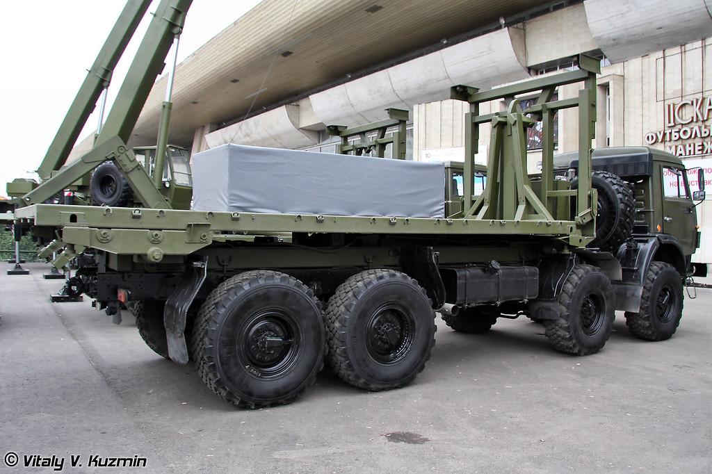 """Автомобиль самопогрузки типа """"Мультилифт"""" МЛ 10 на шасси КАМАЗ-63501 (Self-loading vehicle ML 10 on KAMAZ-63501 chassis)"""