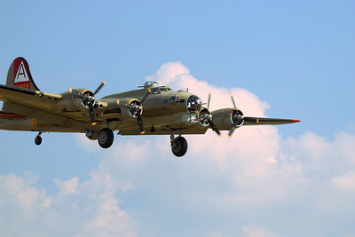 B-17 and B-24 at Weyers Cave