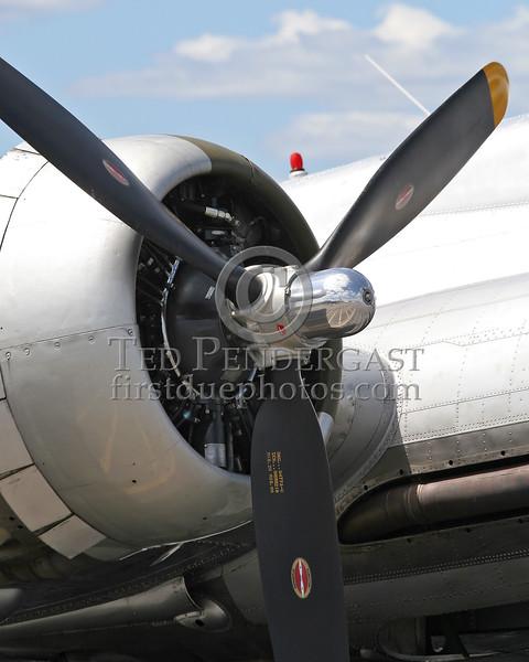 "B-17G ""Aluminum Overcast"" EAA - Lawrence (MA) Municipal Airport - August 13, 2006"