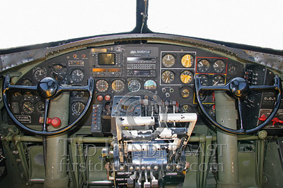 Interior - Cockpit Controls