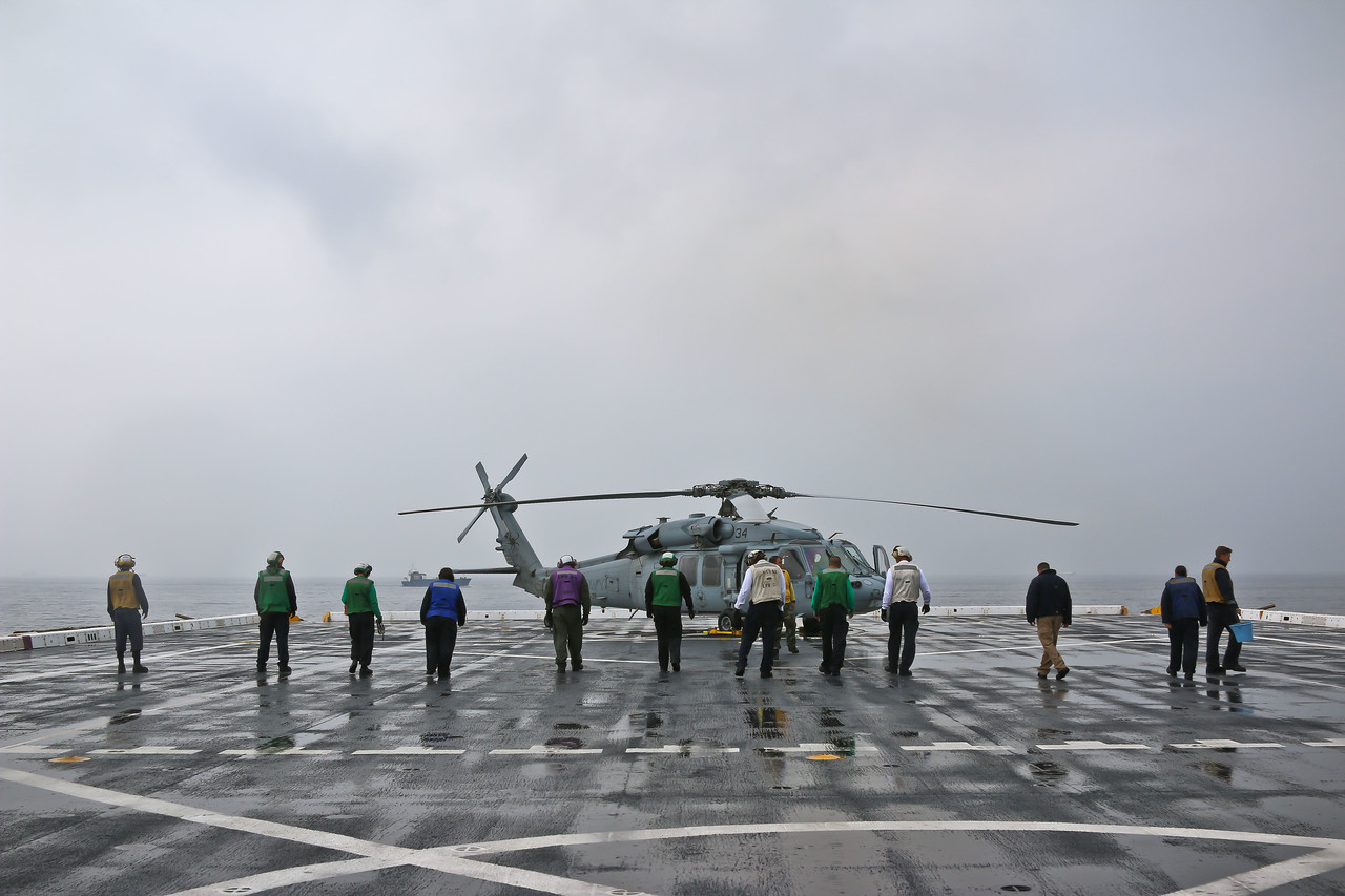 (U.S. Navy photo by Mass Communication Specialist Chief America A. Henry/ Released)
