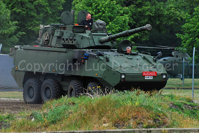 The brand new AIV (Armoured Infantry Vehicle) DF90 Piranha IIIC manufactured by MOWAG with the LCTS90 weapon system (Cockerill Mk8 90 mm gun).
