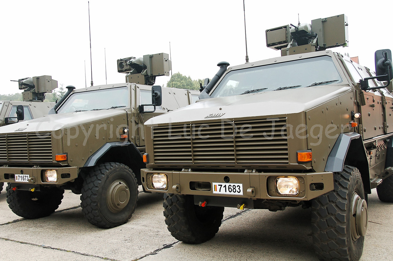The MultiPurpose Protected Vehicle  (MPPV) Dingo II from the German manufacturer Krauss-Maffei-Wegmann (KMW). This vehicle is introduced in the Belgian Army since the end of 2006 in 5 different versions.