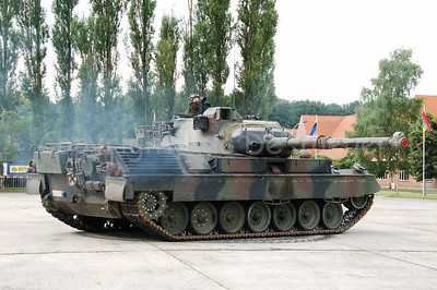 The Leopard 1A5 tank. The Belgian Army decided to replace all tracked vehicles by faster and multipurpose wheeled vehicles. Between 2009 - 2015 the Leopard tank will be replaced by the Piranha III.