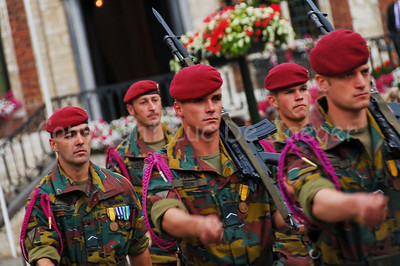 A parade of the 1st Batailion Paracommando in the city of Diest, Belgium.