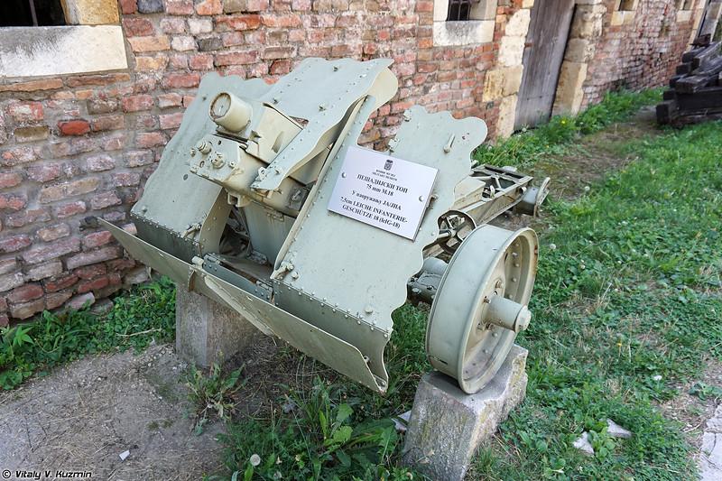 7.5 см лёгкое пехотное орудие le.IG 18 (7.5cm le.IG 18)
