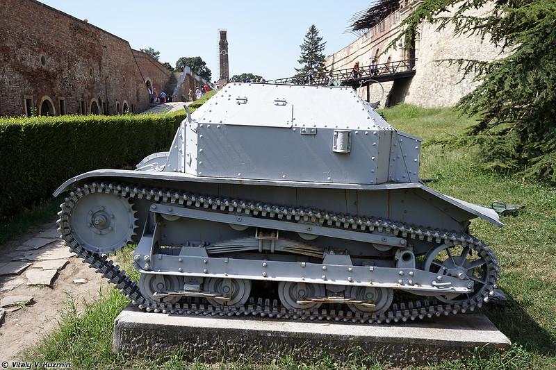 Танкетка TKF (TKF tankette)