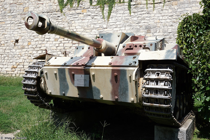 StuG III Ausf.F/8