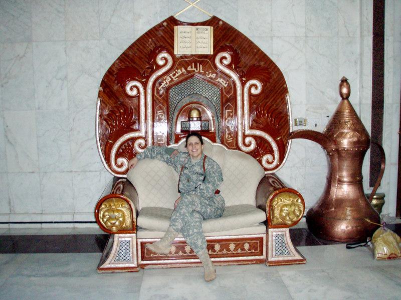 Iraq Palace Queen!