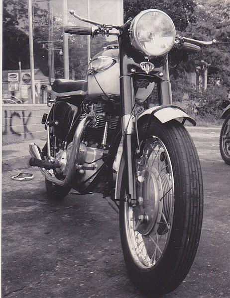 Doug's Triumph 650 Thunderbird