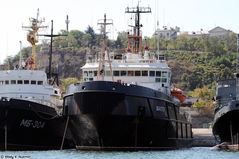 Спасательно буксирное судно Шахтер проекта 712 (Shakhter salvage tug, Project 712)