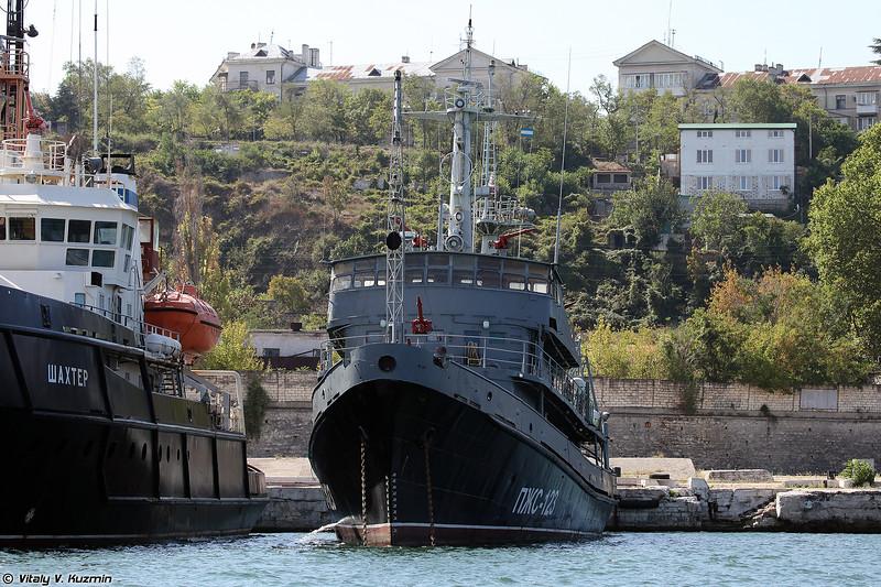 Противопожарное судно ПЖС-123 проекта 1893 (PZhS-123 fireboat, Project 1893)