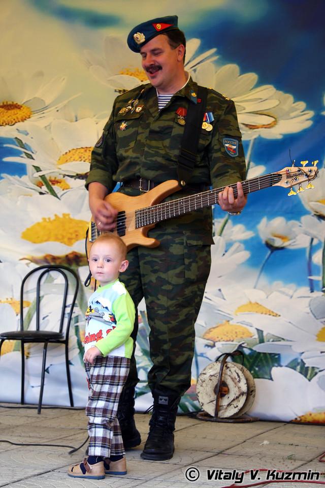 """Концерт Ансамбля ВДВ России """"Голубые береты"""" (Concert of official Russian Airborne troops music group """"Blue Berets"""")"""
