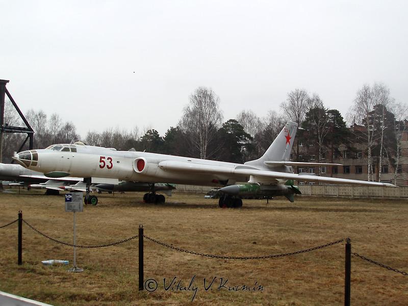Ту-16 (Tu-16)