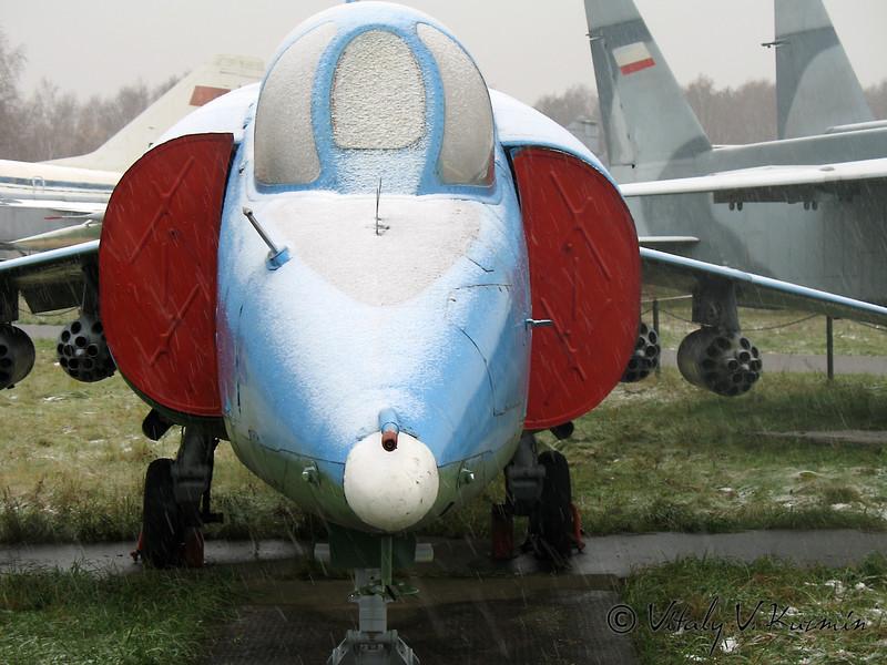 Як-38 (Yak-38 VTOL)