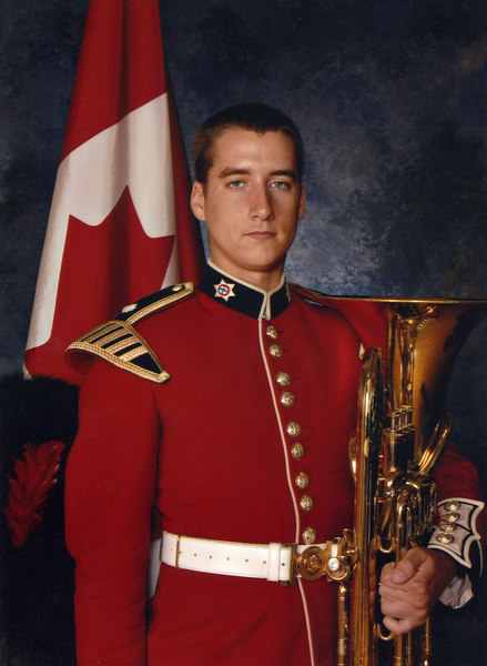 Official portrait of Robert in full dress uniform.