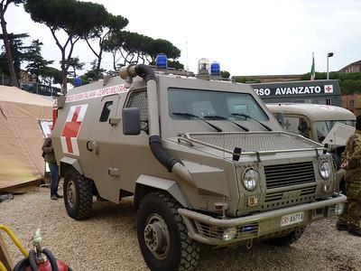 """""""Scarrafone"""" (VM90P) in versione ambulanza"""