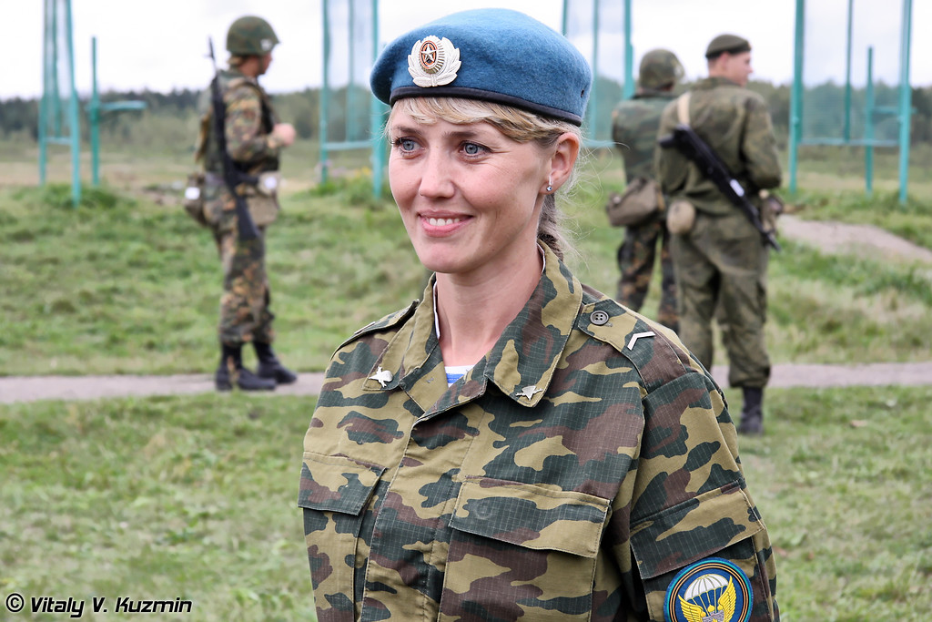 Гвардии ефрейтор ВДВ Светлана Лебедкова из 106-ой ВДД (Guards Lance-Corporal of Airborne troops Svetlana Lebedkova from 106th Airborne division)