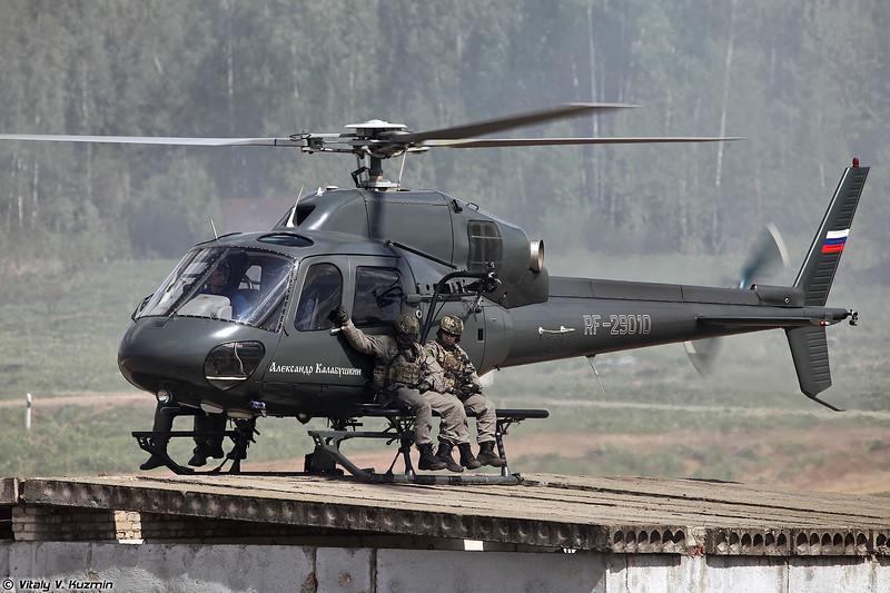 Эвакуация штурмовой группы СОБР Рысь на вертолете AS355N Ecureuil 2 (SOBR Rys' assault group evacuation)