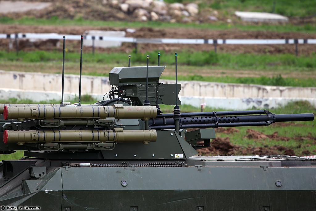 Боевой многофункциональный робототехнический комплекс Уран-9 (Uran-9 combat unmanned ground vehicle)
