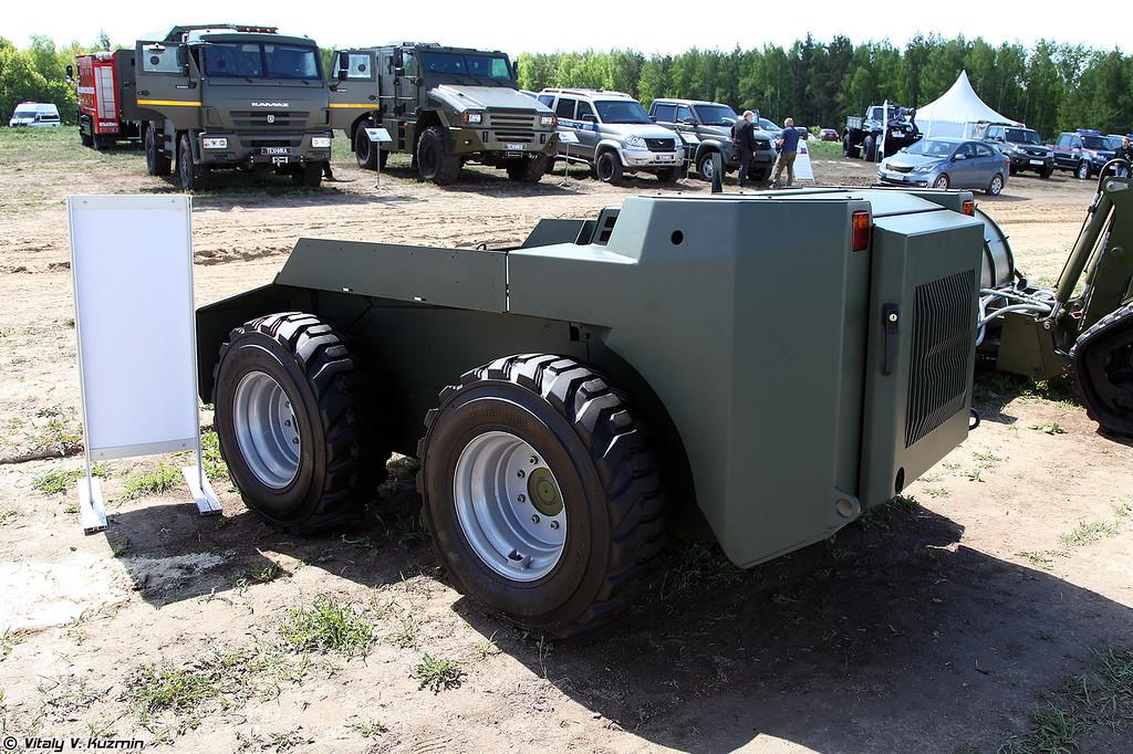 Роботизированная универсальная мобильная управляемая транспортная платформа ANT 1000-РВ (ANT 1000-RV unmanned ground vehicle)