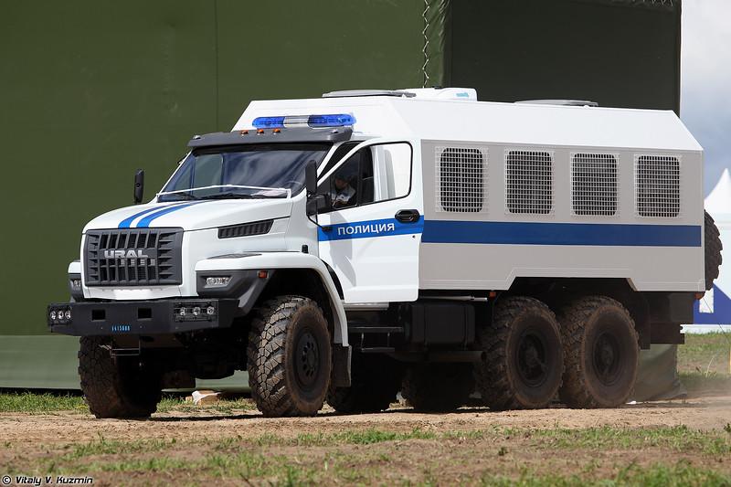 Автомобиль для траснпортирования нарядов полиции на базе Урал-NEXT (Ural-NEXT)
