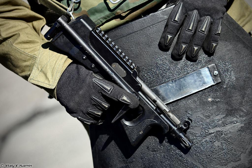 Пистолет-пулемет ПП-2000 (PP-2000 submachine gun)