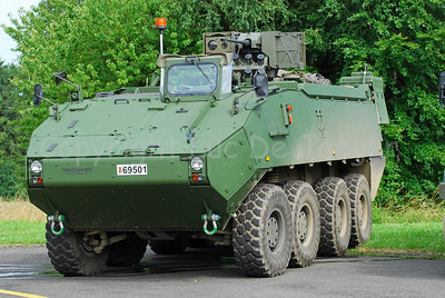 The brand new Piranha IIIC, manufactured by the Swiss MOWAG, that replaces the Leopard 1A5 MBT in the Belgian Army.