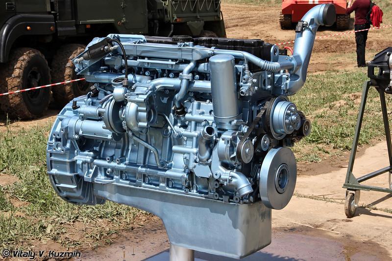 Дизельный двигатель ЯМЗ-536 для СПМ-3 Медведь и перспективный бронеавтомобилей семейства Тайфун (YaMZ-536 diesel engine for SPM-3 and new Tayfun family vehicles)