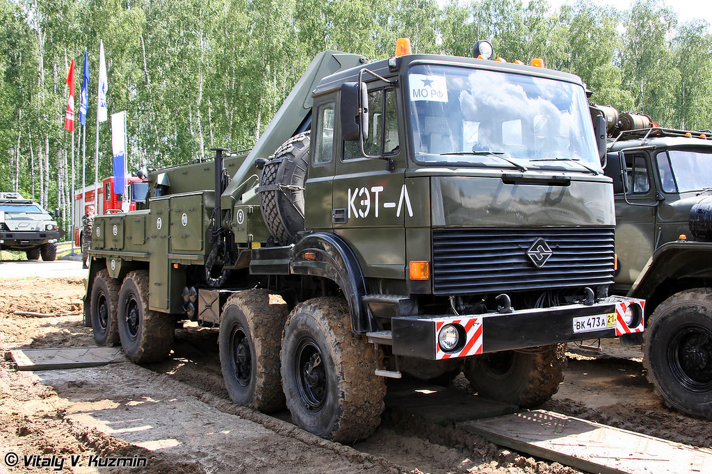 Колесный эвакуационный тягач КЭТ-Л на шасси Урал-5323 (Light wheeled recovery vehicle KET-L on Ural-5323 chassis)