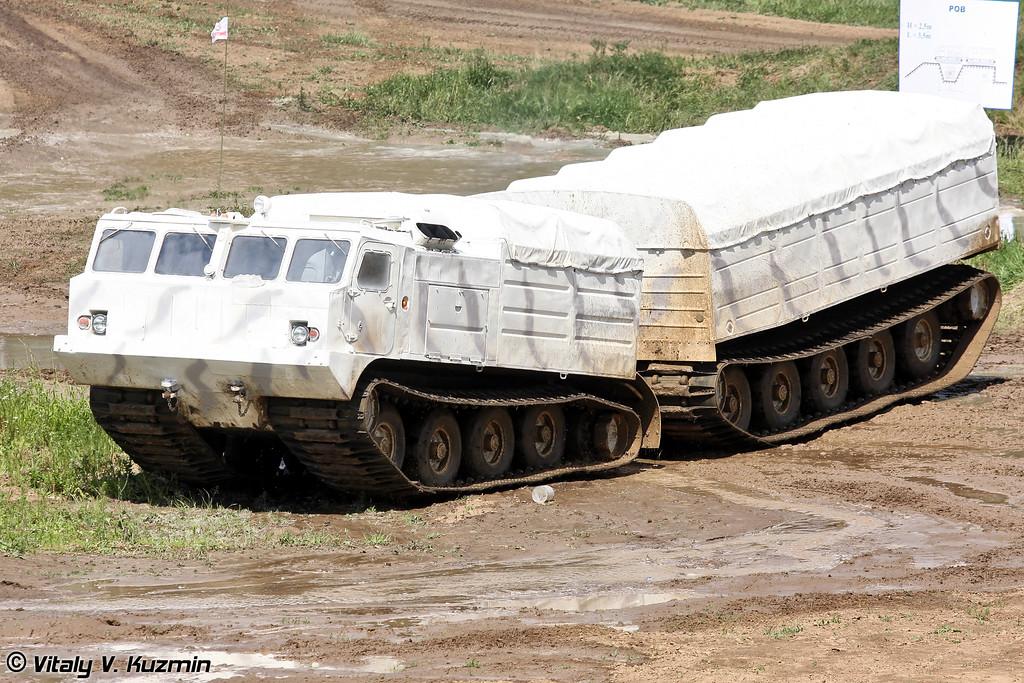 Двухзвенный гусеничный транспортер ДТ-10П (Two-section tracked carrier DT-10P)