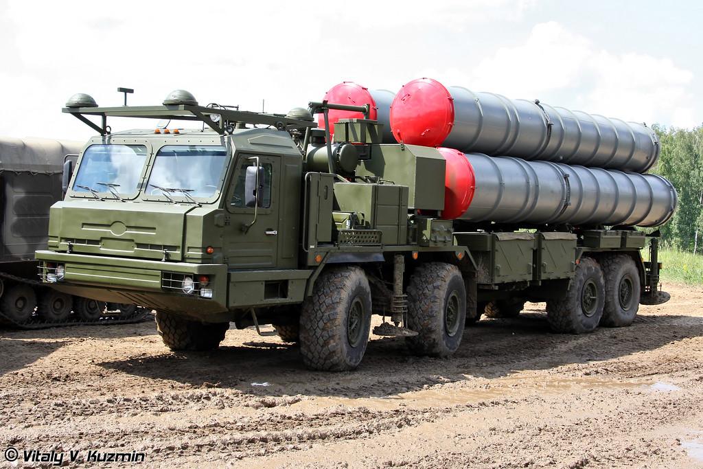 Пусковая установка 5П90С на шасси БАЗ-6909-022 из состава ЗРС С-400 (Self-propelled launch vehicle 5P90S on BAZ-6909-022 chassis for S-400 system)