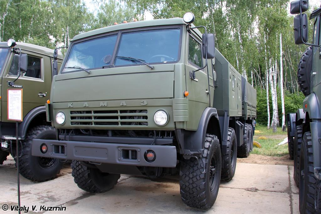 Артиллерийский тягач КАМАЗ-6350 (KAMAZ-6350 artillery tractor)