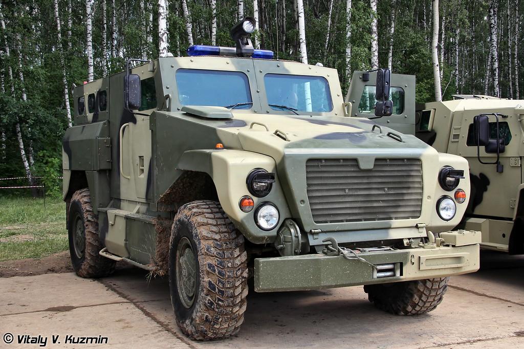 Бронированный автомобиль с усиленной противоминной защитой ВПК-3924 Медведь (VPK-3924 Medved MRAP vehicle)
