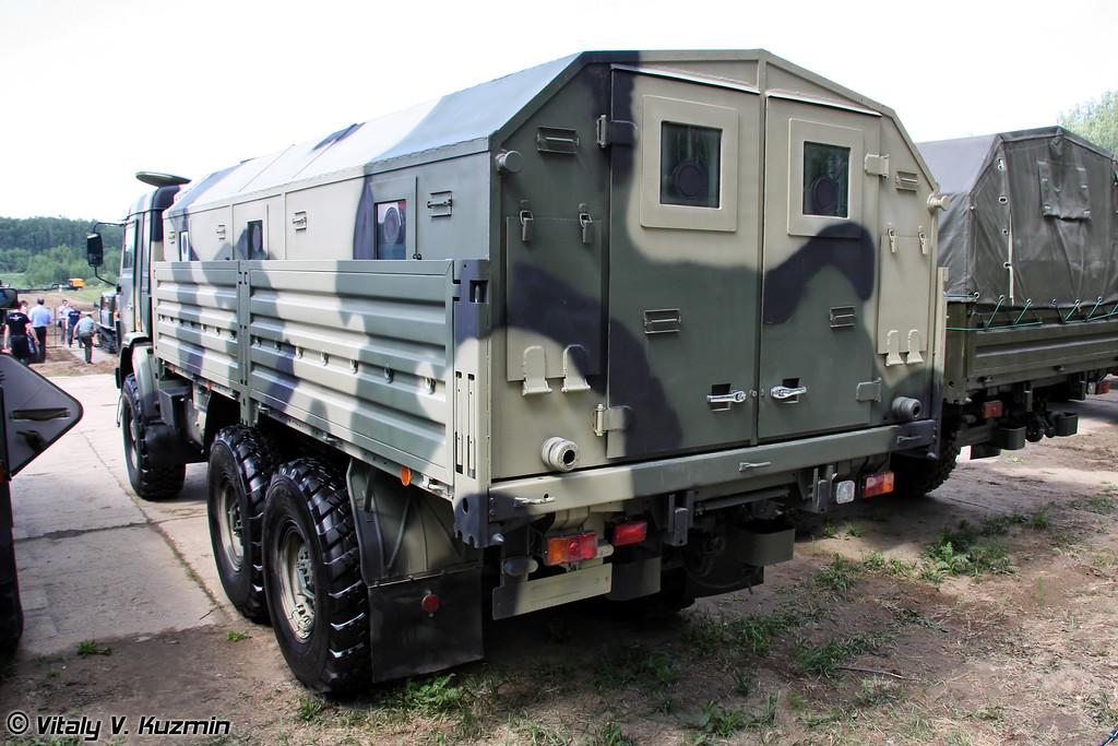КАМАЗ-5350 с комплектом дополнительной защиты (Armored KAMAZ-5350)