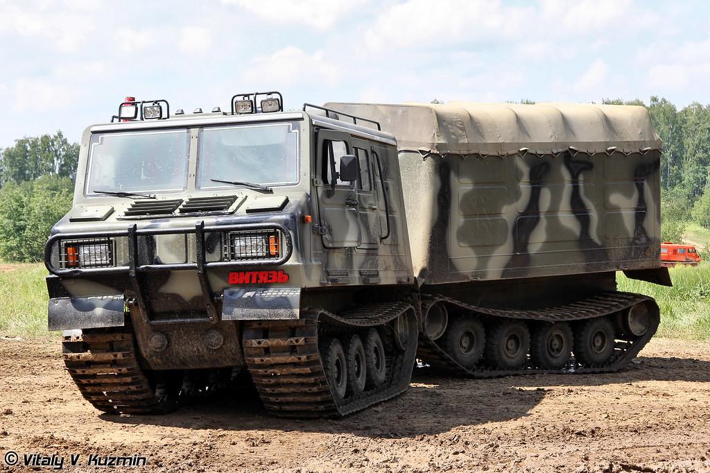 Двухзвенный гусеничный транспортер ДТ-3П (Two-section tracked carrier DT-3P)