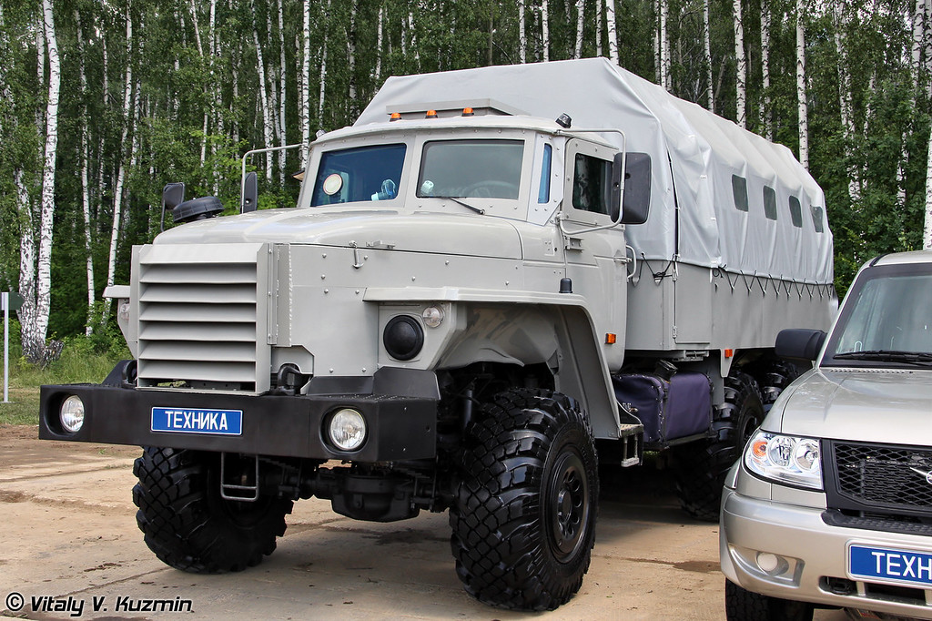 """Автобус специальный бронированный """"Федерал"""" на шасси Урал-55571 (Armored truck Federal on Ural-55571 chassis)"""