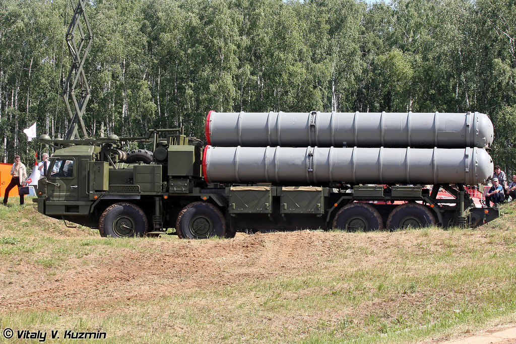 Новая пусковая установка 5П90С на шасси БАЗ-6909-022 из состава ЗРС С-400 (New self-propelled launch vehicle 5P90S on BAZ-6909-022 chassis for S-400 system)