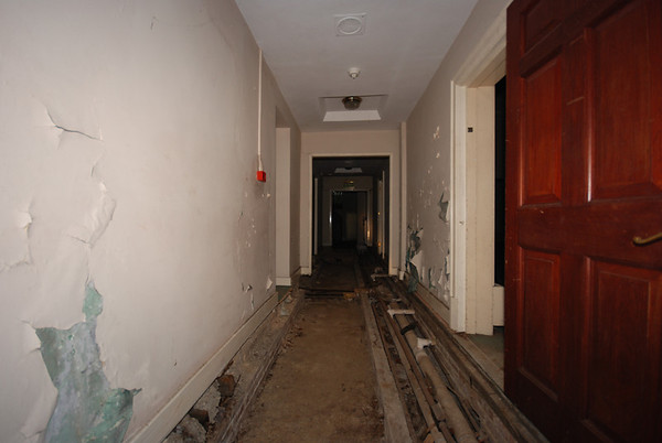 An example showing the removed flooring