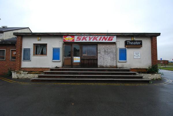 Welcome to Skyking cinema. Note the way Theatre is spelt..