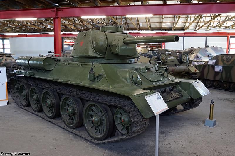 Средний танк Т-34-76 (T-34-76 tank)