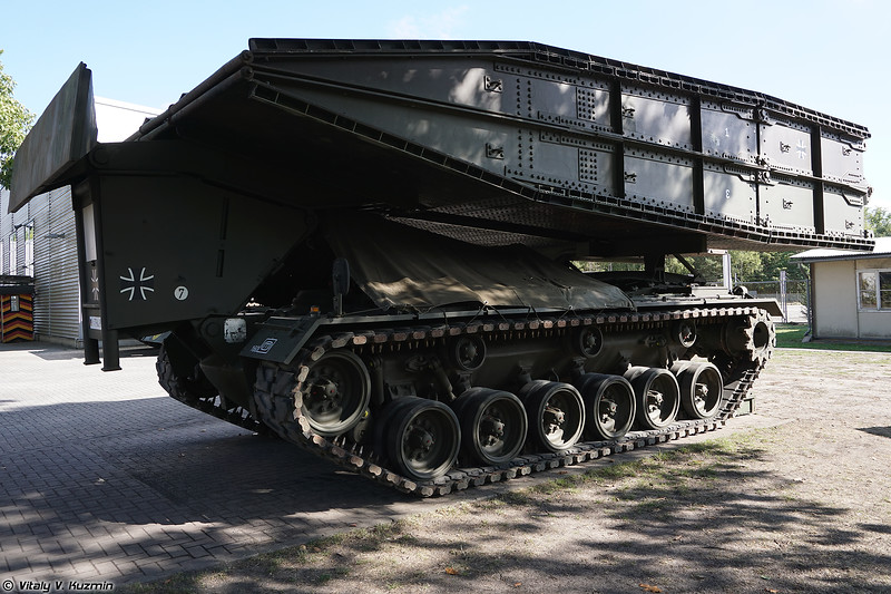 Мостоукладчик M48A2 AVLB (M48A2 AVLB bridgelayer)