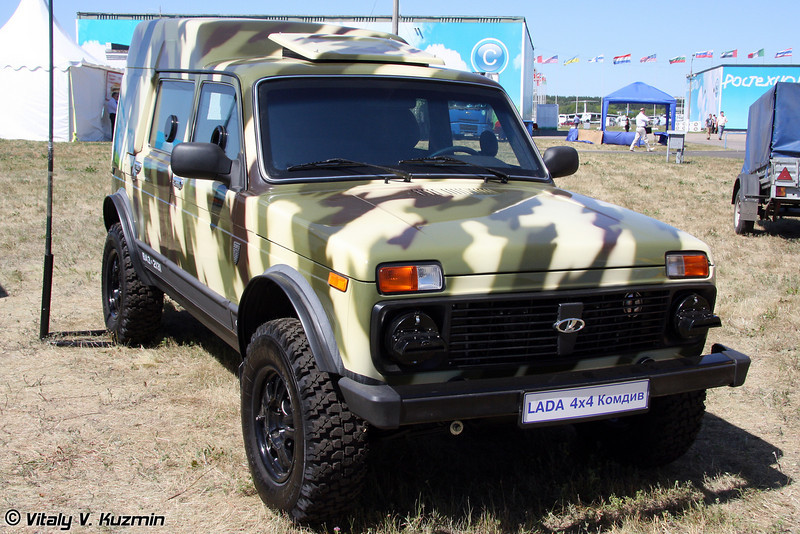 Бронированный длиннобазовый автомобиль LADA 4х4 КОМДИВ (Armored vehicle LADA 4x4 Komdiv)